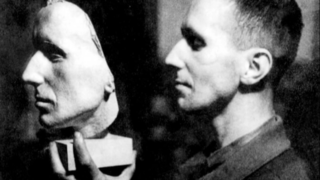 Brecht and Mask